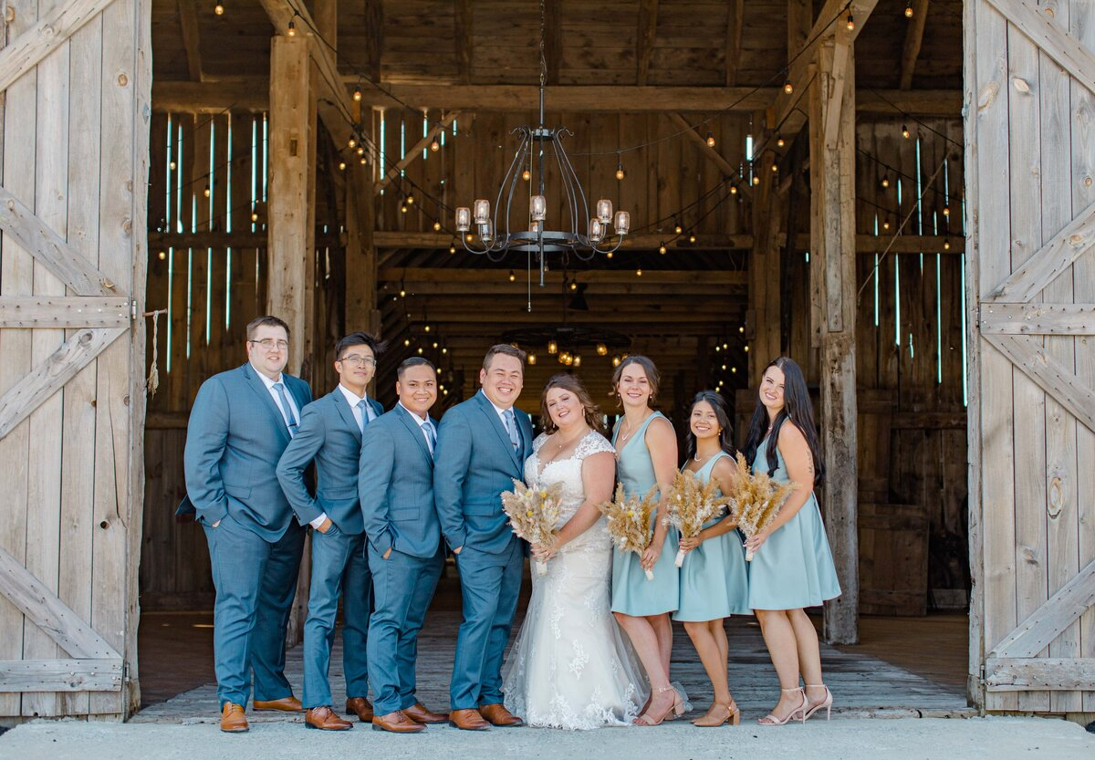 laura-ben-campbell-farm-white-lake-wedding-grey-loft-studio-2020-101
