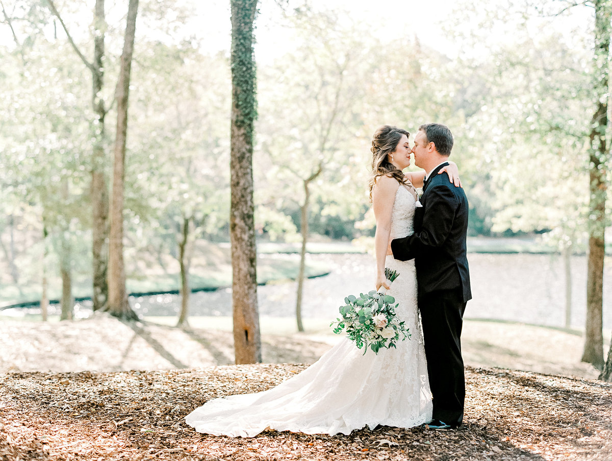 687_Anne & Ryan Wedding_Lindsay Vallas Photog-2