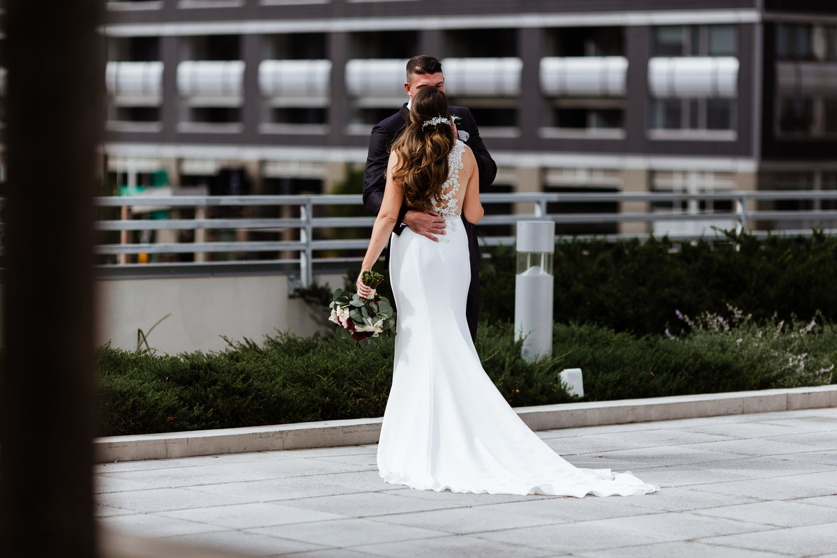 Bride-Groom-Rooftop-Chicago-Portraits
