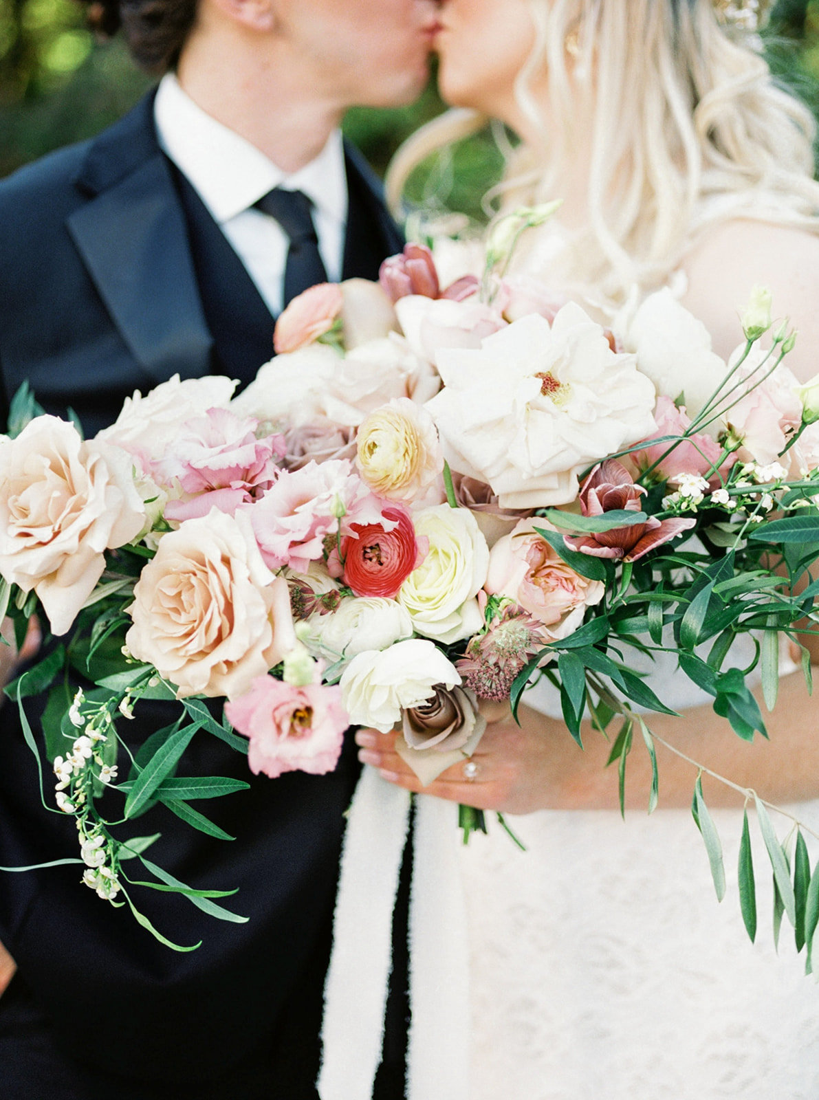 Romantic Garden Party at Clark Gardens Dallas Wedding (13)