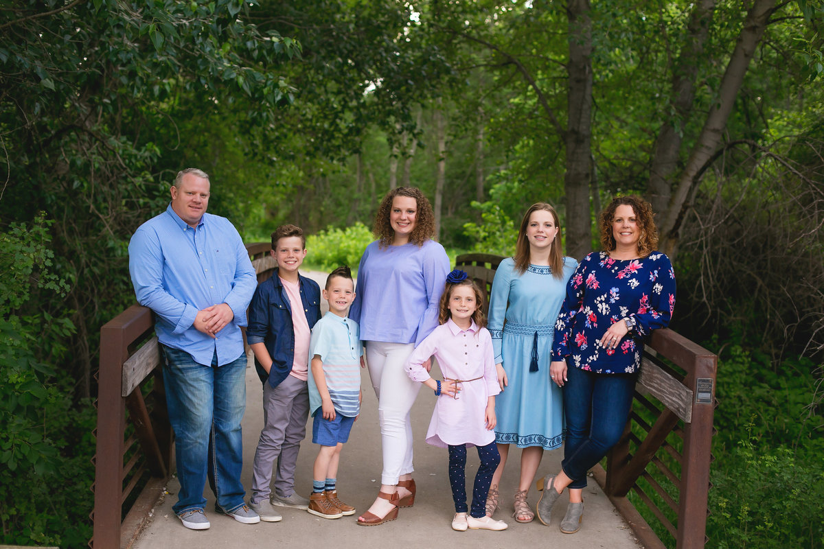 bsu-family-photographer-lifestyle-Boise-idaho-treasure-valley-meridian-nampa-eagle-mccall-emmett-mountain-home-photographer-lee-ann-norris031