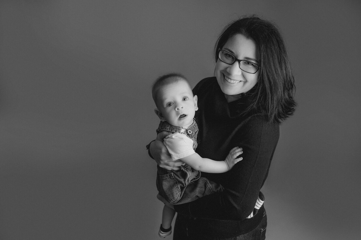 baby-boy-milestone-baby-photo-session-carp-grey-loft-studio-ottawa-9