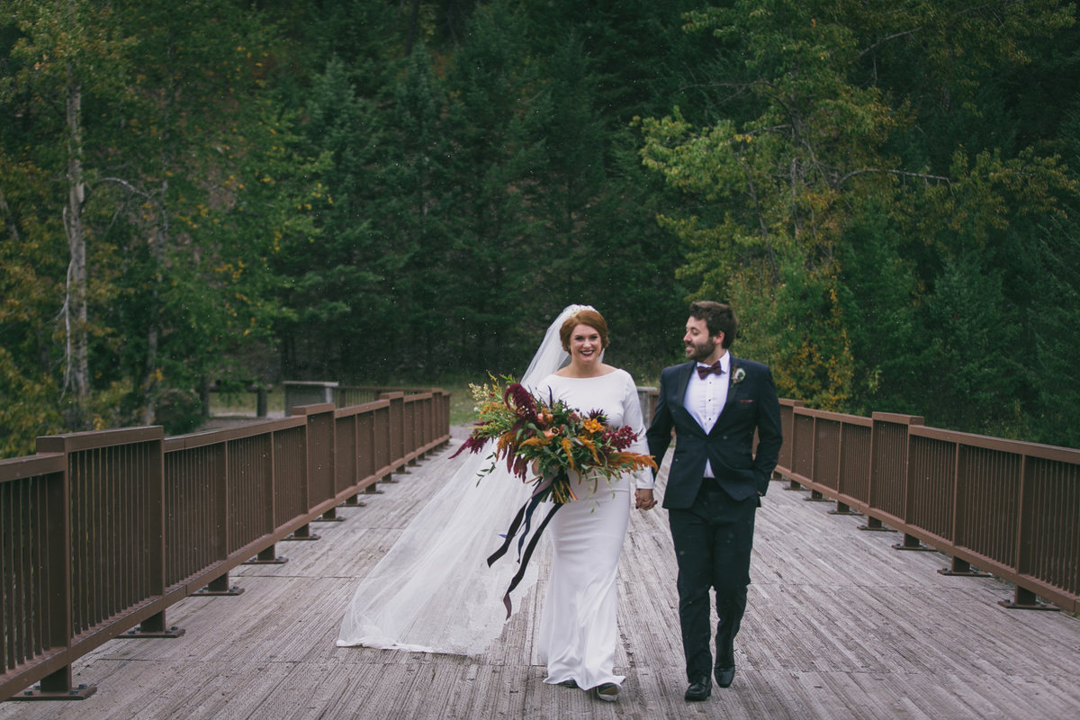 Jennifer_Mooney_Photography_Abbey_Stephen_Fall_Winter_Glacier_Park_Elopement-39