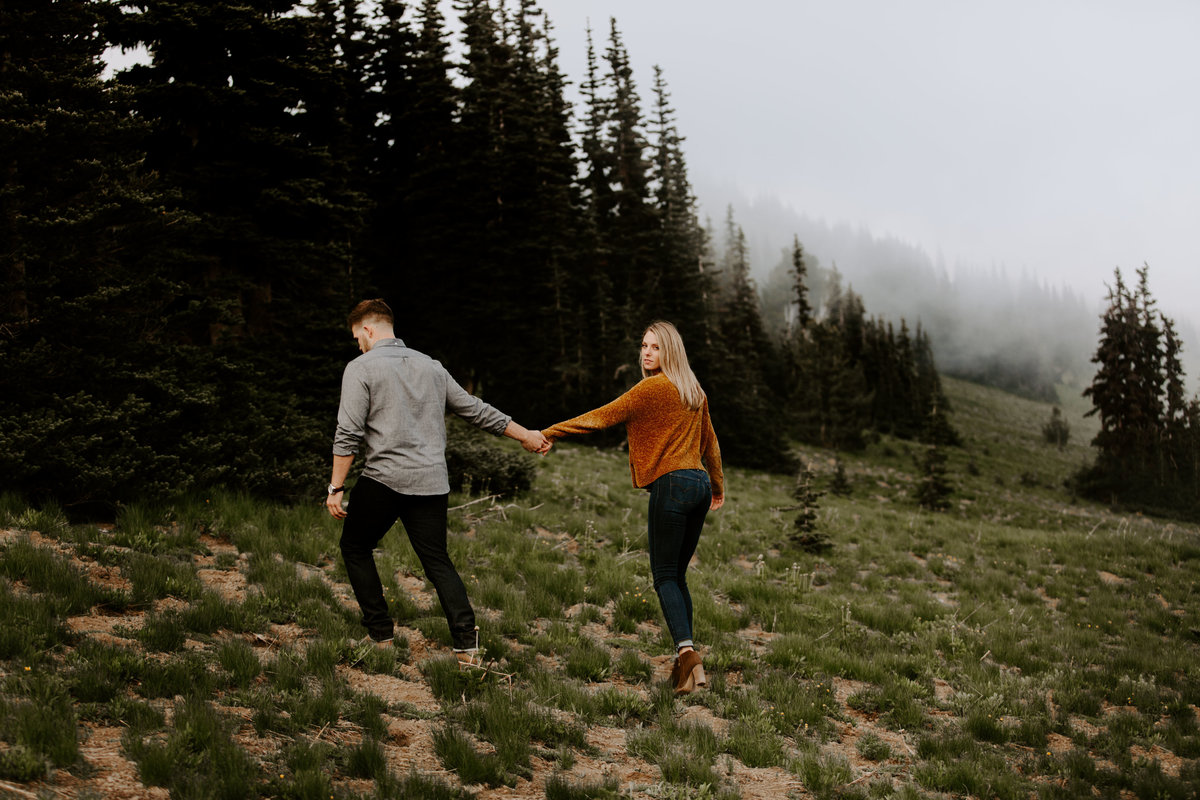 Marnie_Cornell_Photography_Engagement_Mount_Rainier_RK-184