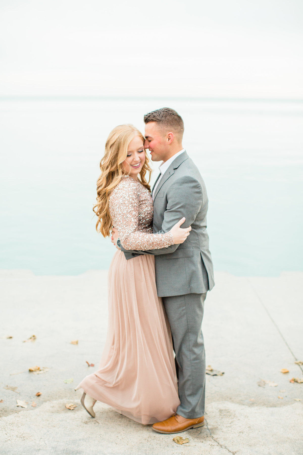 lindsey-taylor-photography-north-avenue-beach-chicago-engagement-photographer2