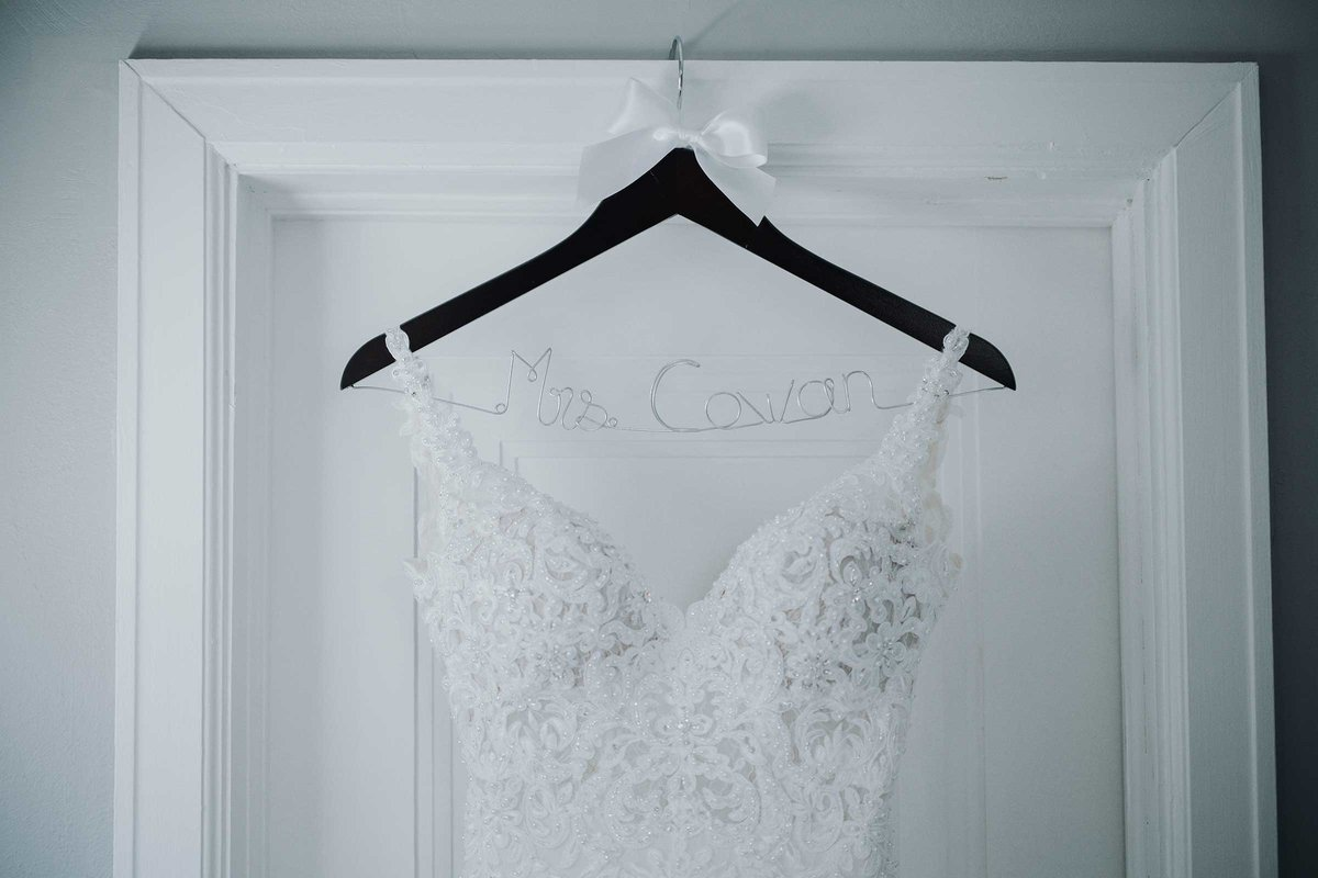 wedding-hanger
