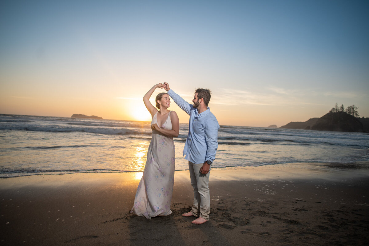 Humboldt-County-Engagement-Photographer-Beach-Engagement-Humboldt-Trinidad-College-Cove-Trinidad-State-Beach-Nor-Cal-Parky's-Pics-Coastal-Redwoods-Elopements-7