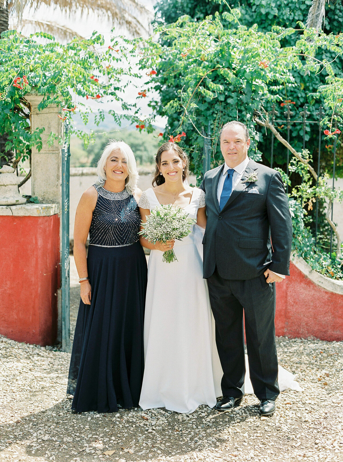 wedding_with_a_vintage_car_in_marvão-5