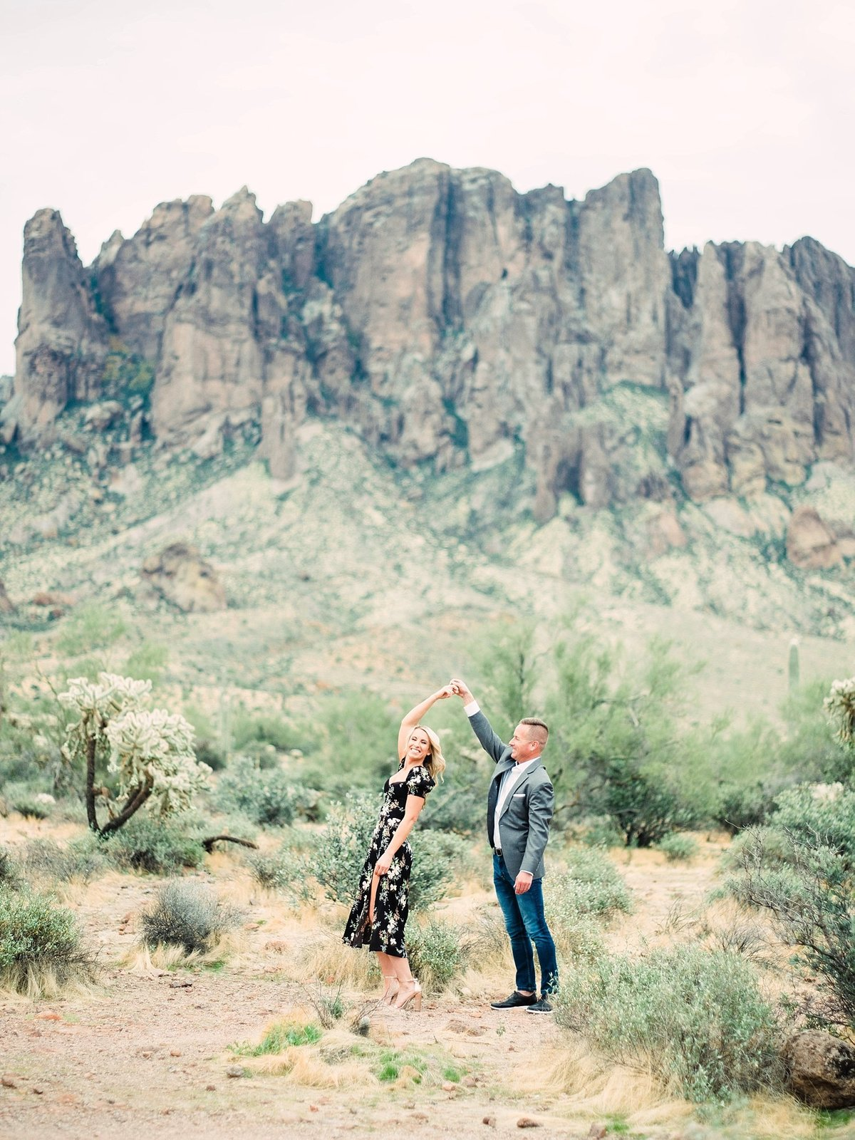 scottsdale-arizona-wedding-photographer-engagement-desert_0098