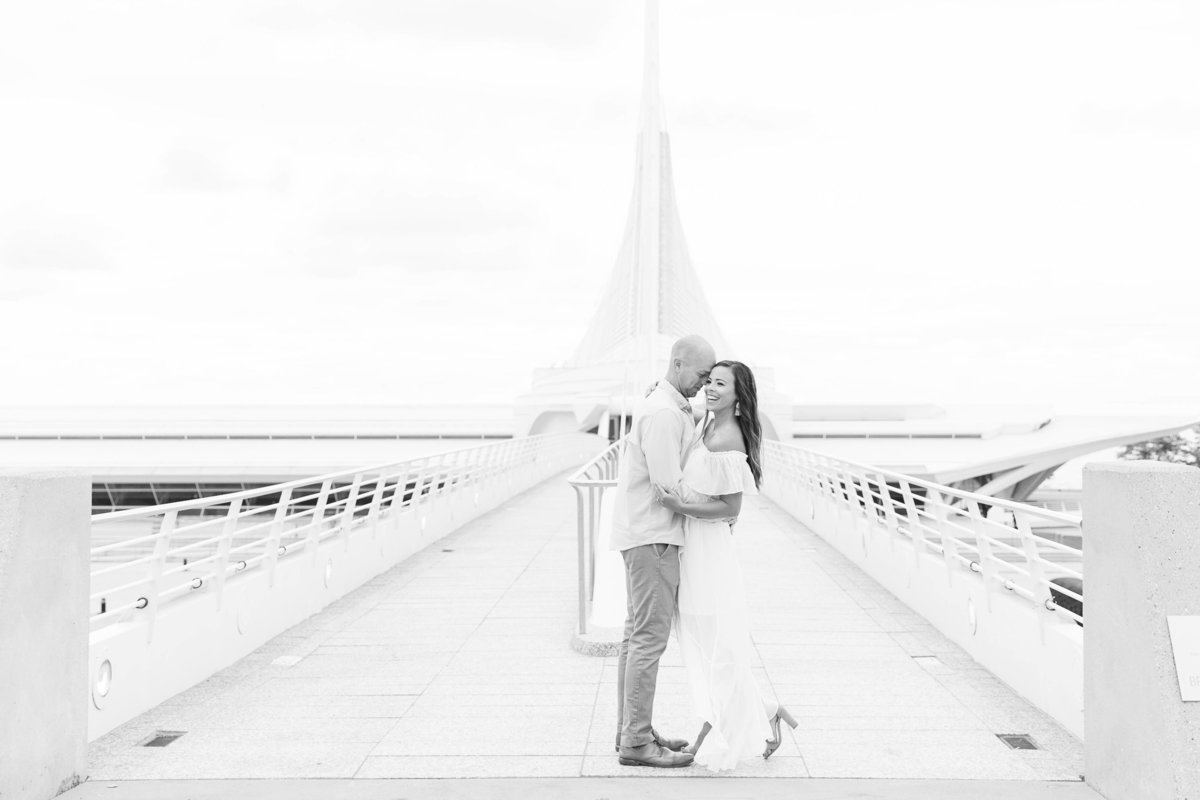 late-summer-milwaukee-engagement-Katie-schubert-wisconsin-wedding-photographer-54