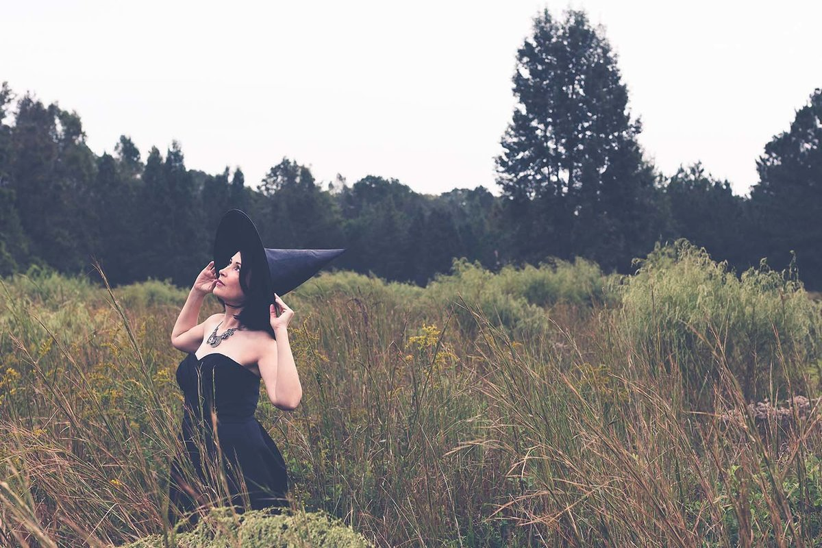 halloween-inspiration-witch-cosplay-costume-photoshoot-breaking-tradition-jacksonville-fl