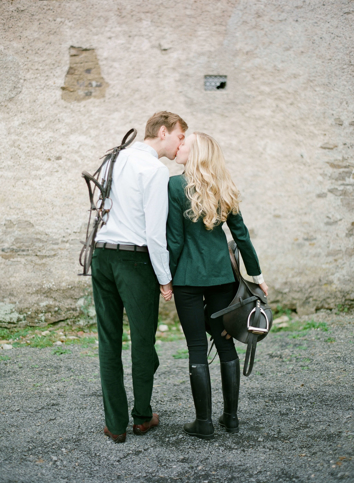 82-KTMerry-destination-weddings-couple-horse-saddle-Ireland