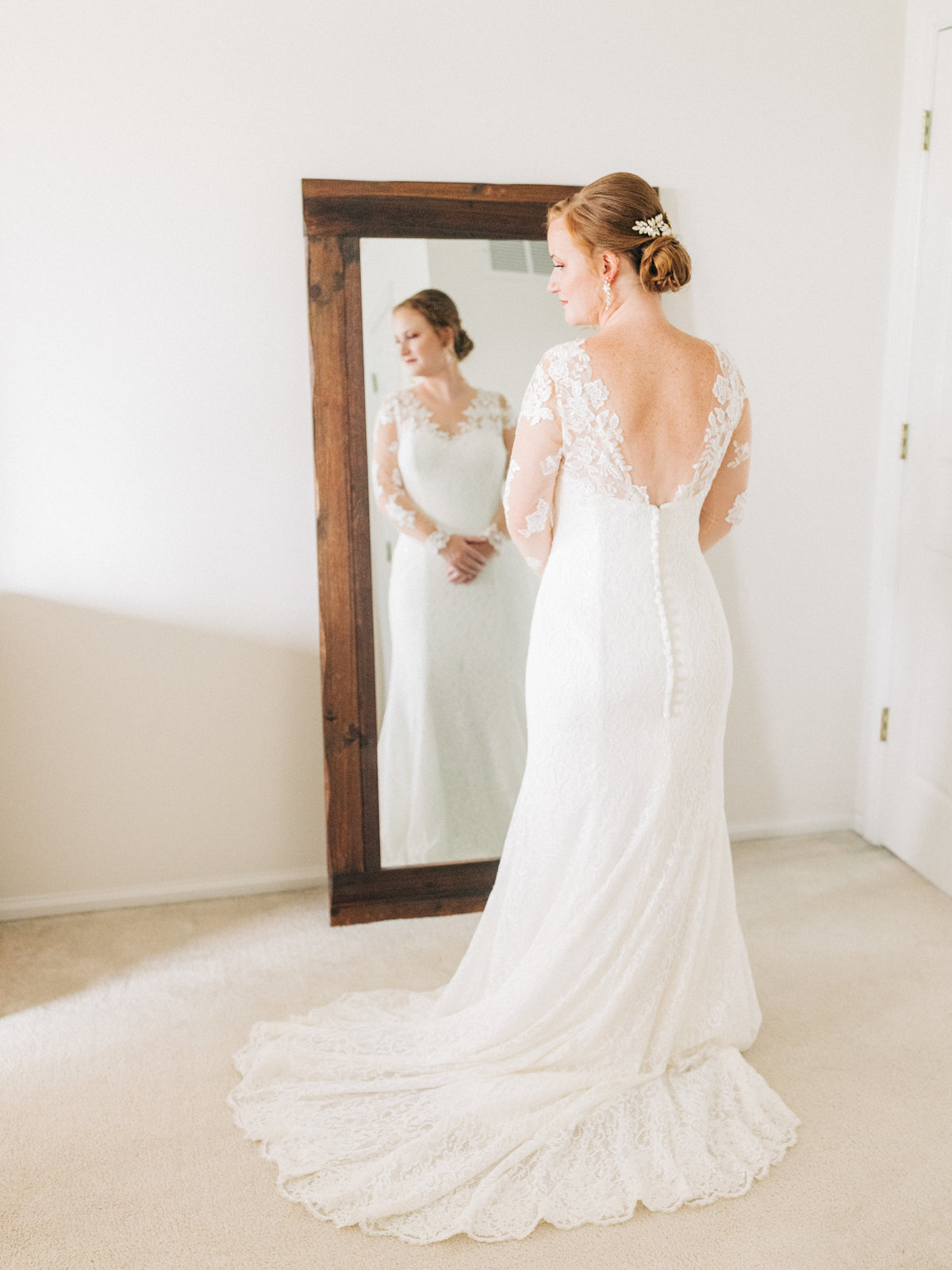 Dorothy_Louise_Photography_Sam_Nick_St_Charles_Le_Belle_Coeur_Wedding_Getting_Ready-66