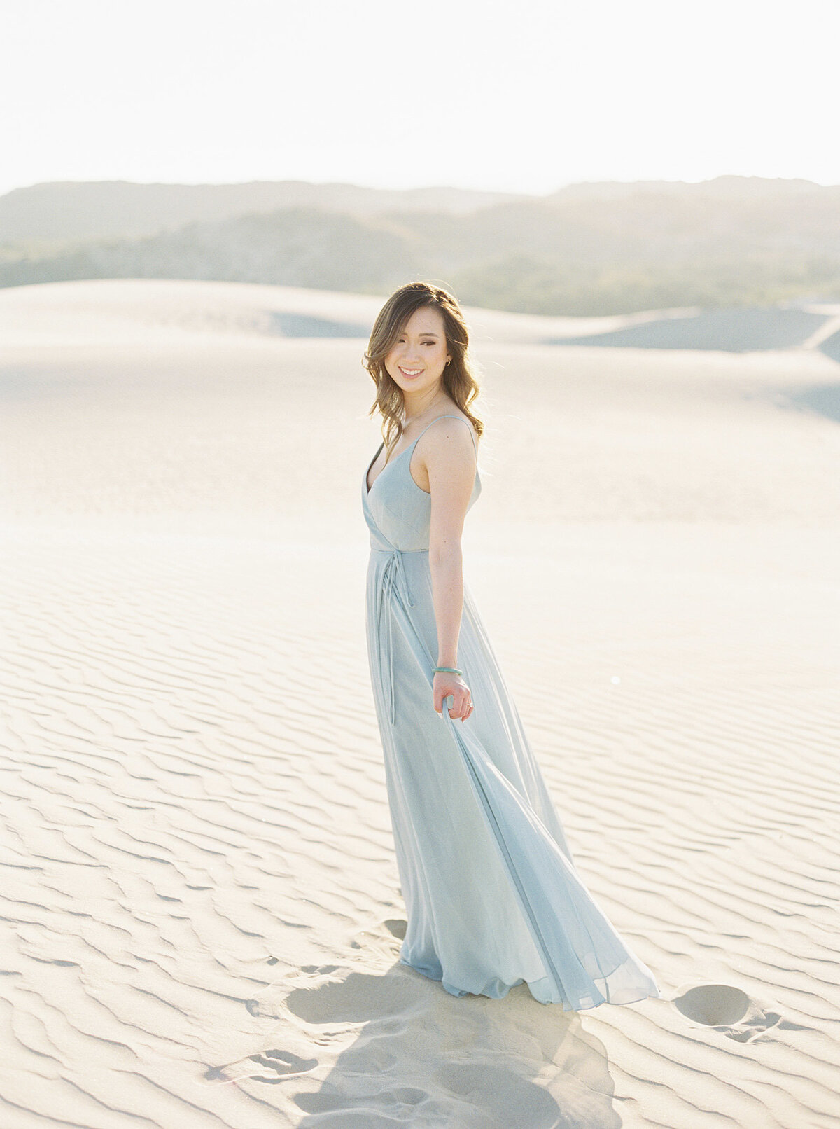 sand-dune-engagement-photos-11
