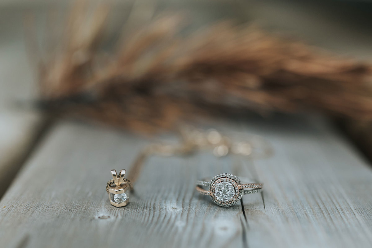gold wedding jewelry rustic bridal details
