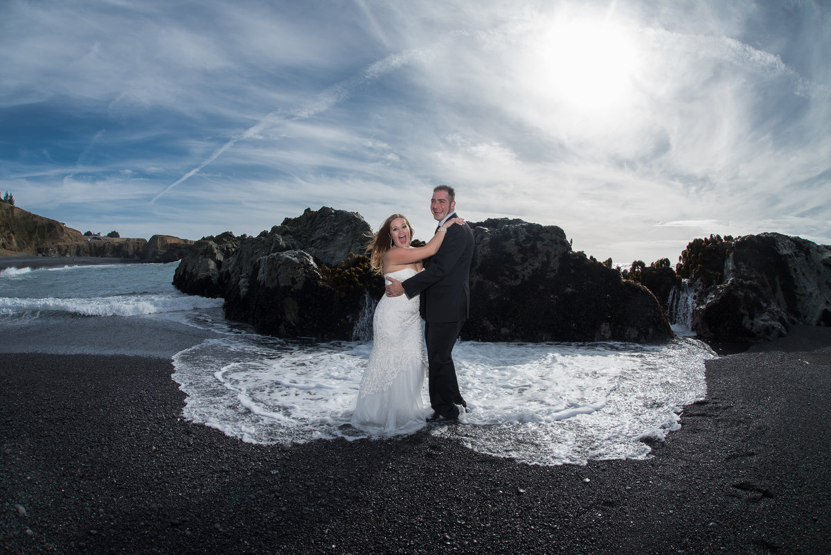 Redway-California-elopement-photographer-Parky's-Pics-Photography-Shelter-Cove-Callifornia-adventure-elopement-beach-Black-Sands-Beach-1.jpg