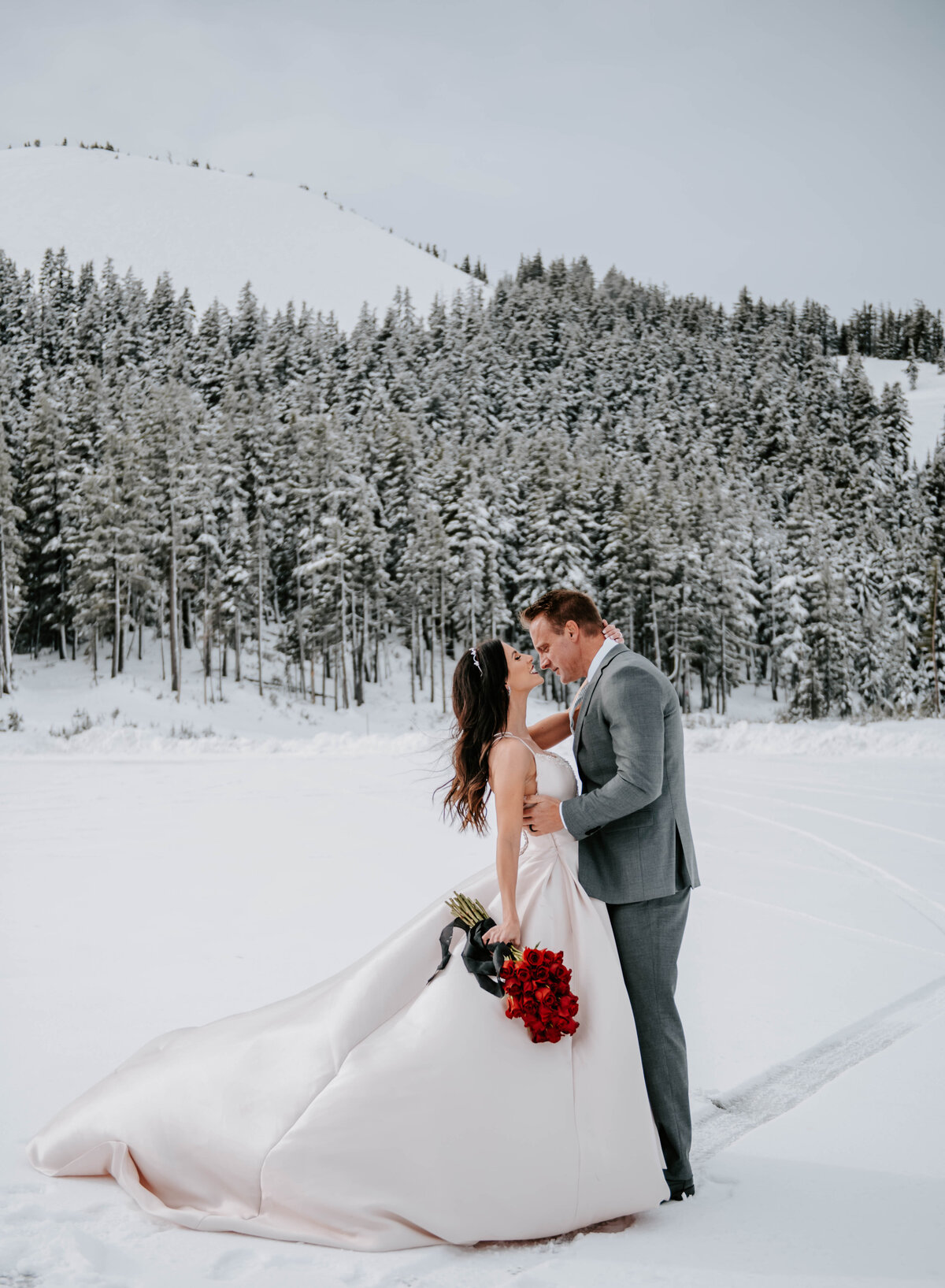 mt-bachelor-snow-winter-elopement-bend-oregon-wedding-photographer-2095