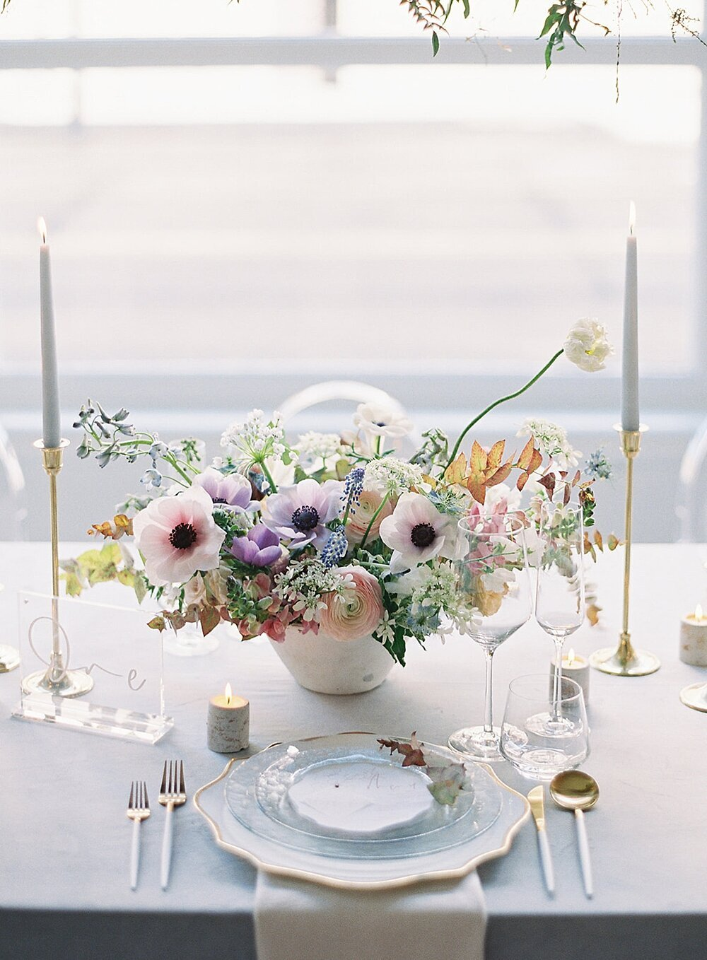 Modern-love-event-leigh-and-mitchell-spring-anemone-floral-centerpiece-ideas
