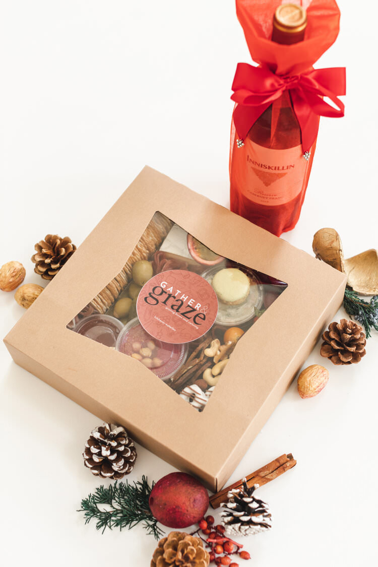 christmas-charcuterie-box-with-wine