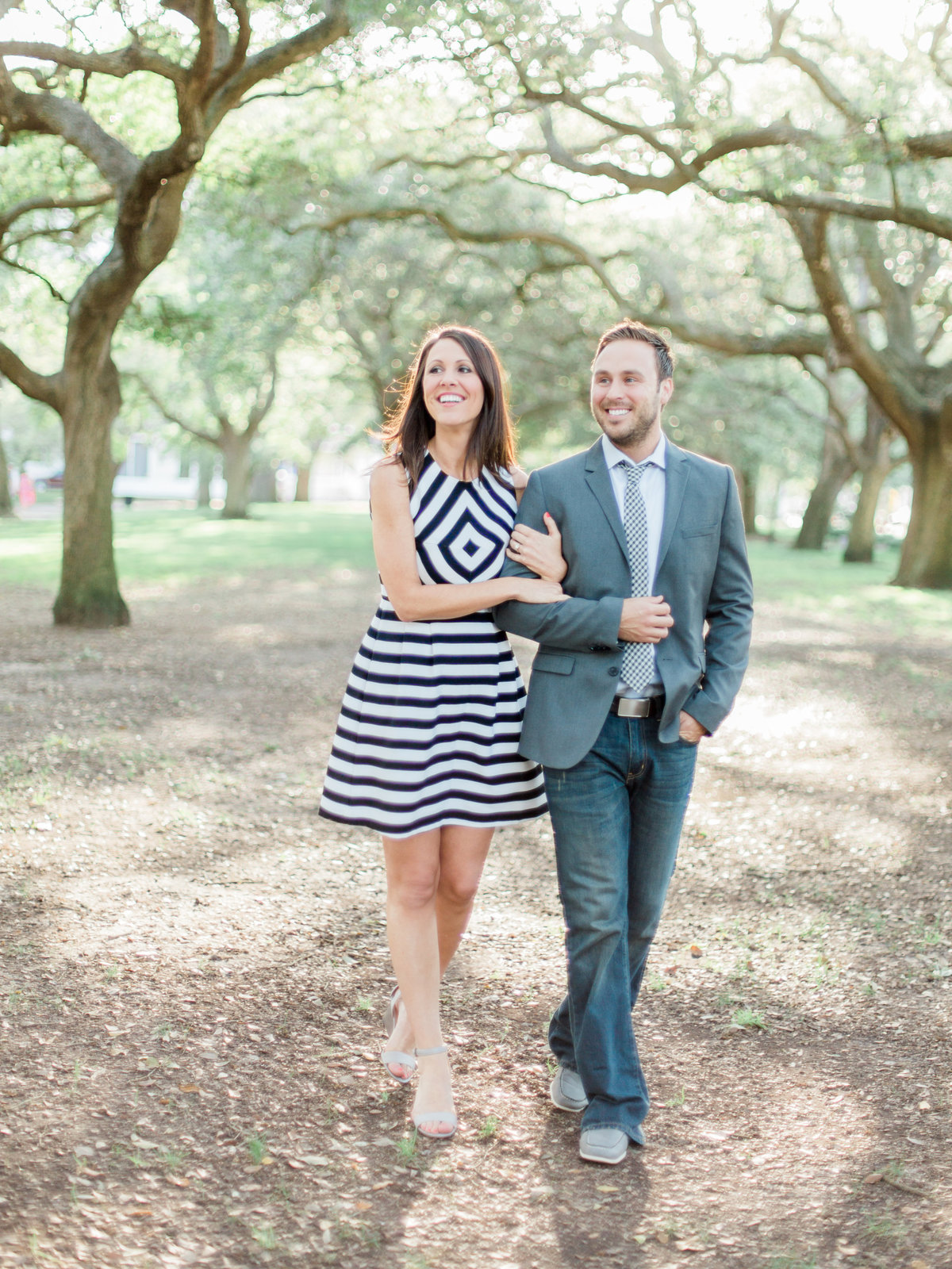 Charleston-Engagement-Photography-RachelRedPhotography-Rainbow-Row-114