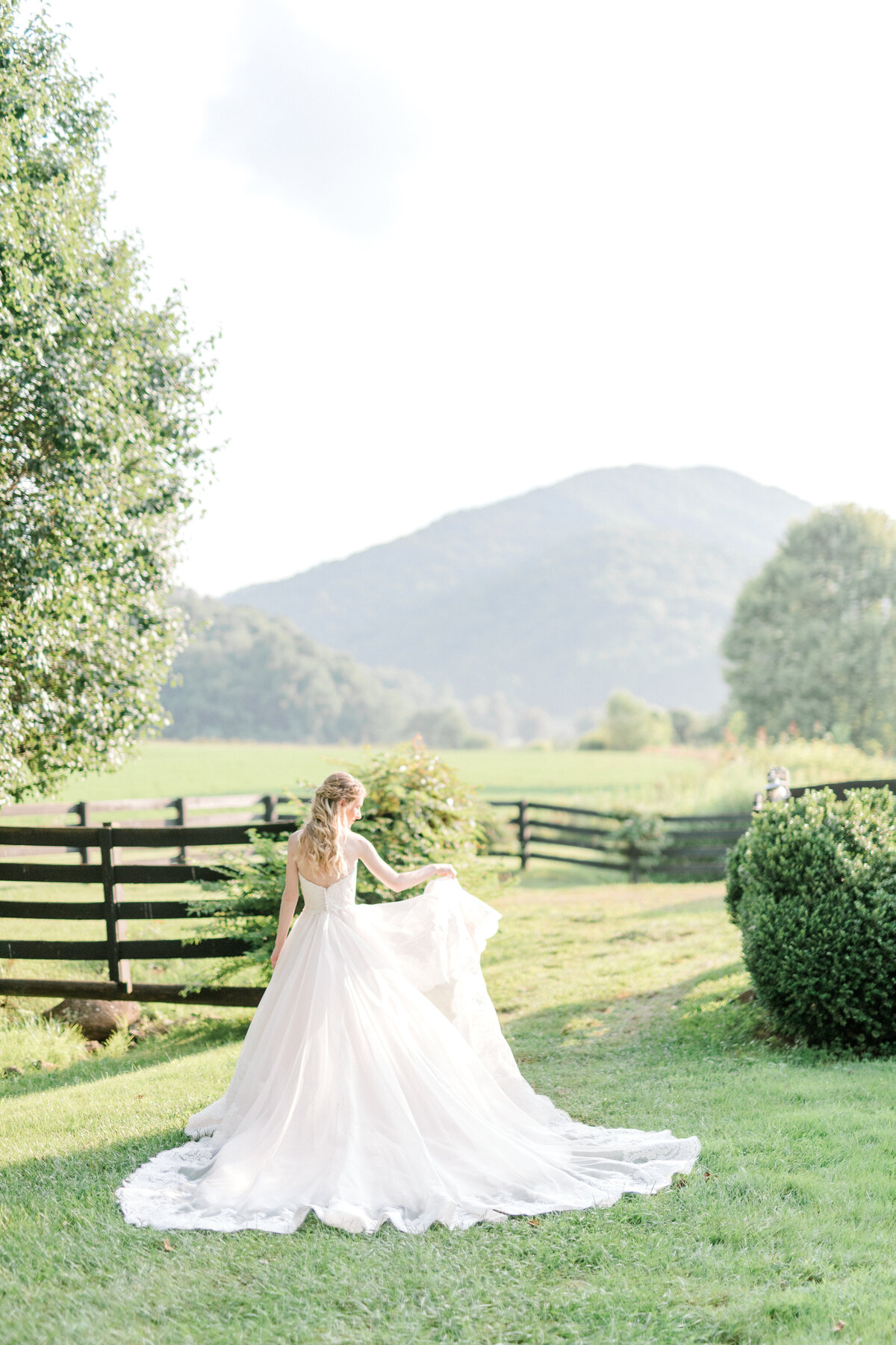 Lindsay_Bridal_Session-12