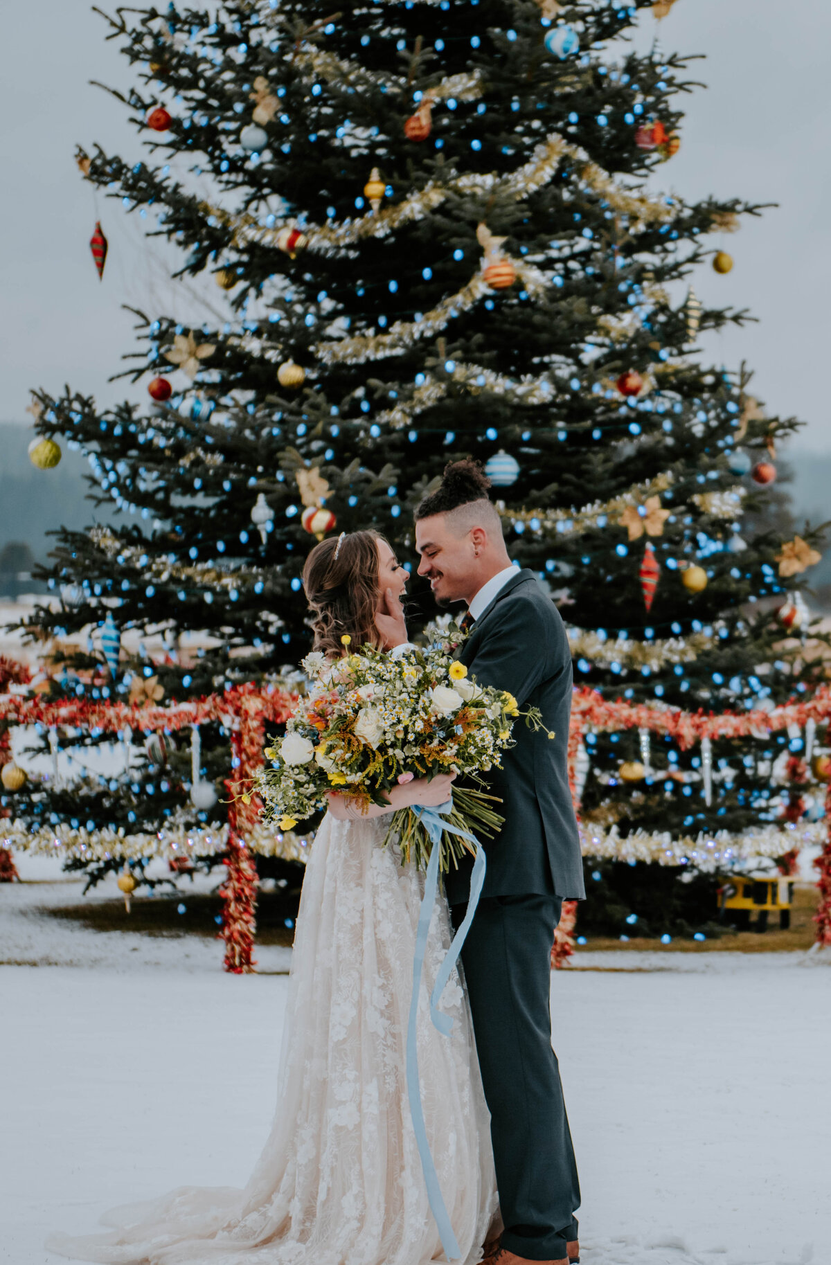 sunriver-resort-oregon-wedding-venue-christmas-elopement-photographer-destination-1765