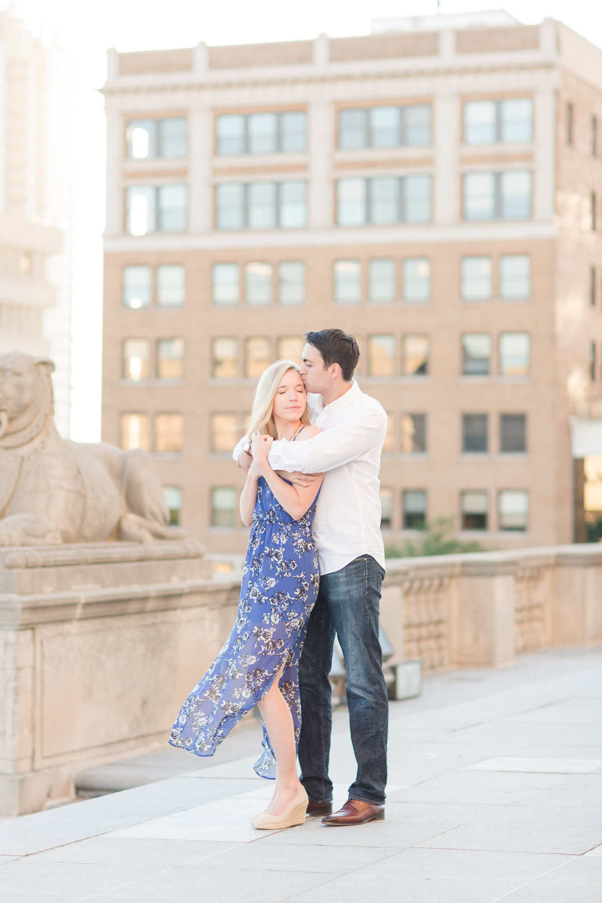 Indianapolis War Memorial Downtown Engagement Session Sunrise Sami Renee Photography-25