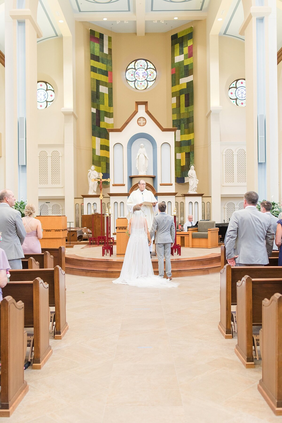 Kara Webster Photography | Meredith & Tyler | University Of Dayton Marriott Wedding Photographer_0035