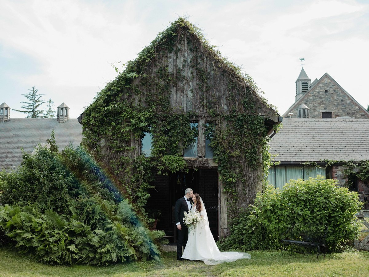 Blue-Hill-at-Stone-Barns-Wedding-Photographer-0039_1