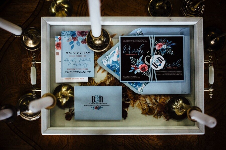 vintage-style-winter-wedding-invitations