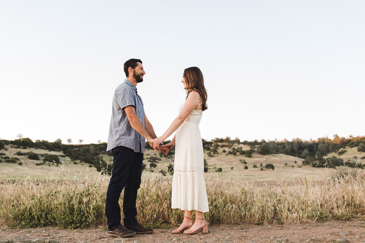 AVH_Photography_engagement_session_bidwell_park_california__V1_8338