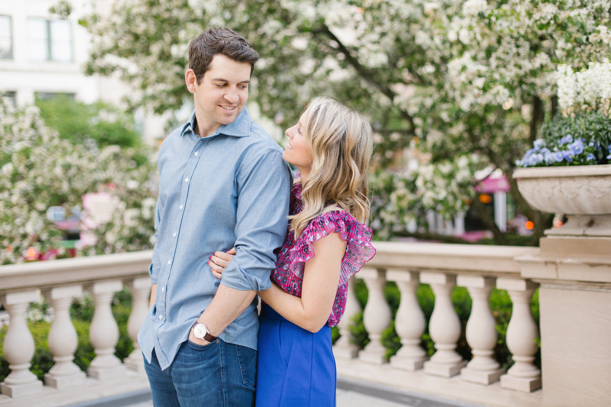 chicago-engagement-photography-wrigley-building-10