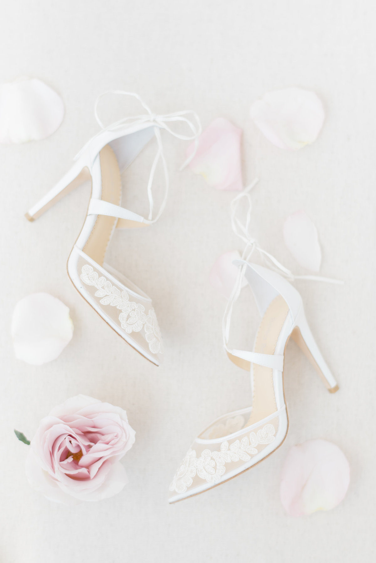 Brides-shoes-with-flowers-photograph