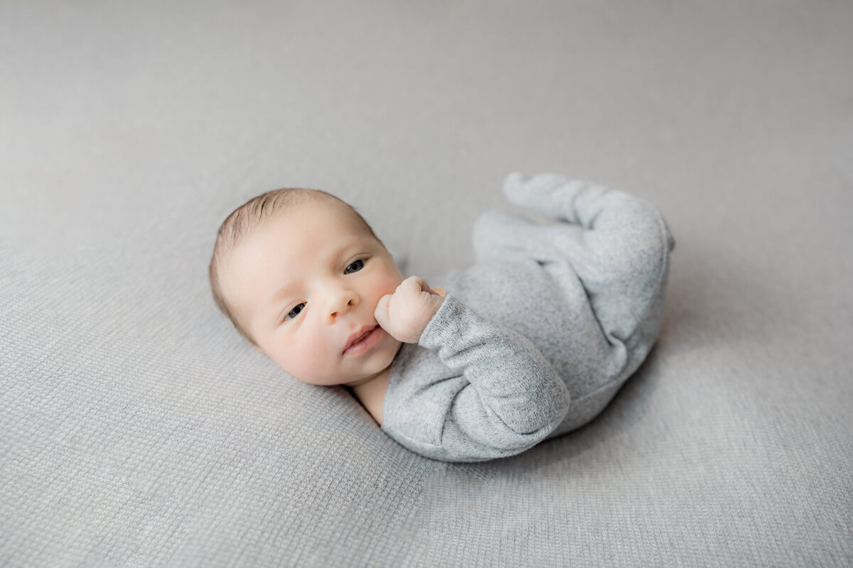 newborn-baby-boy-photos-ottawa-grey-loft-studio-3