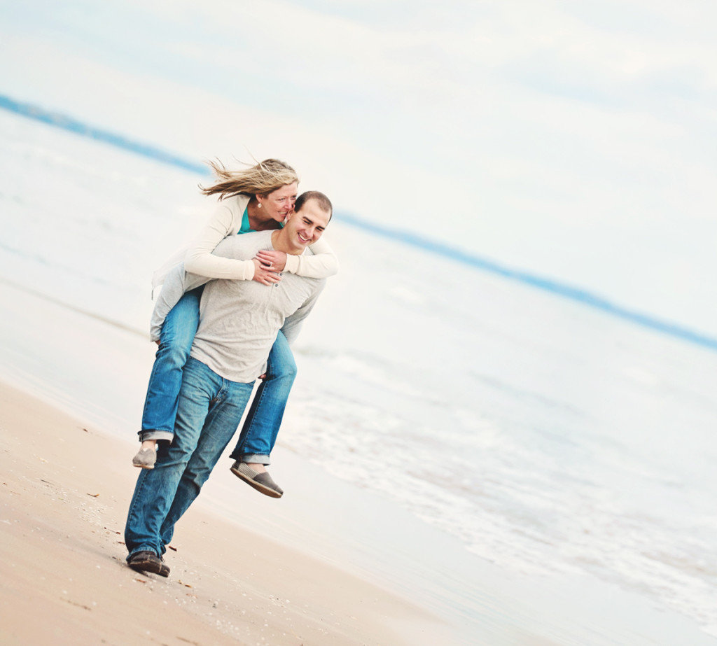 engagement-harrington-beach-WI-1024x923