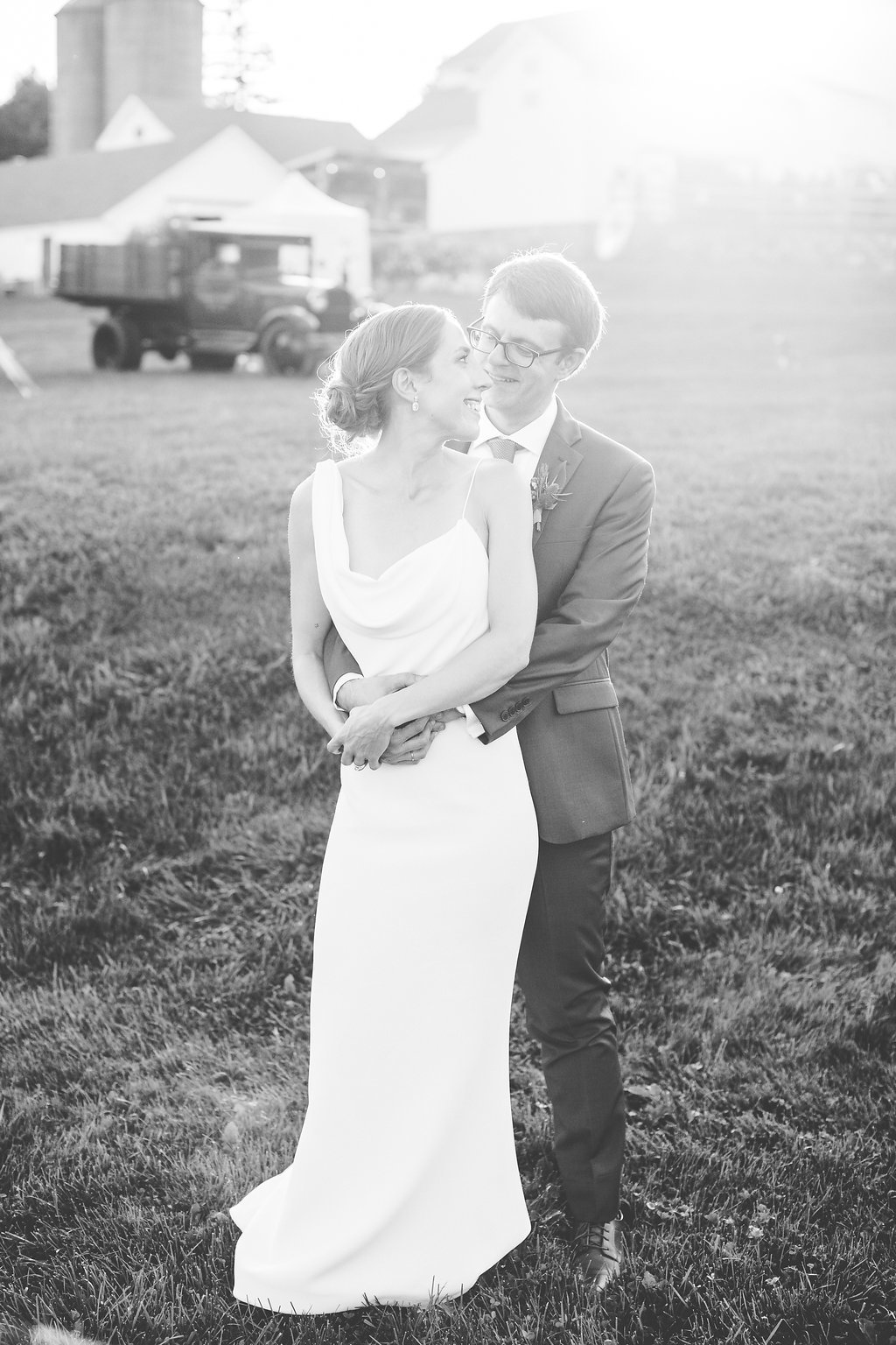 Monica-Relyea-Events-Kelsey-Combe-Photography-Dana-and-Mark-South-Farms-wedding-morris-connecticut-barn-tent-jewish-farm-country-litchfield-county706