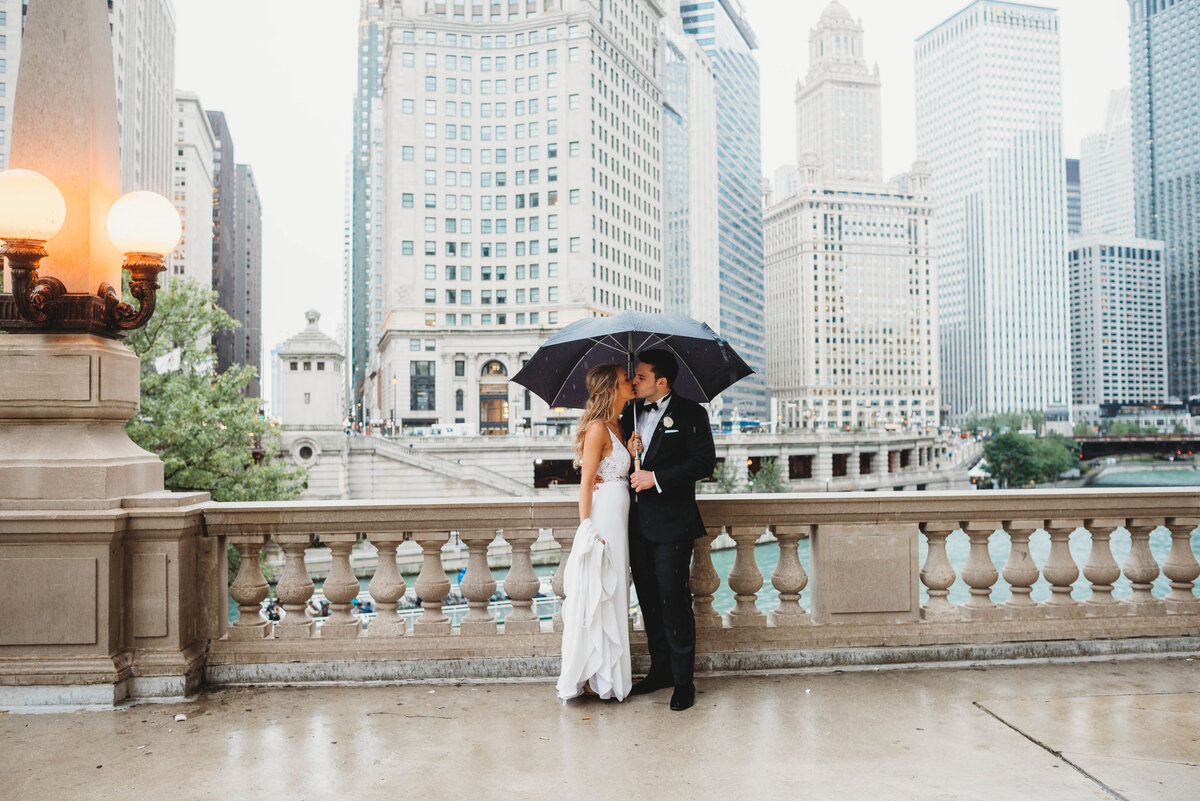 chicago-river-front-wedding-pictures-mag-mile-wedding-pictures-michigan-ave-chicago-wedding-photographer-girl-with-the-tattoos-wedding-photographer