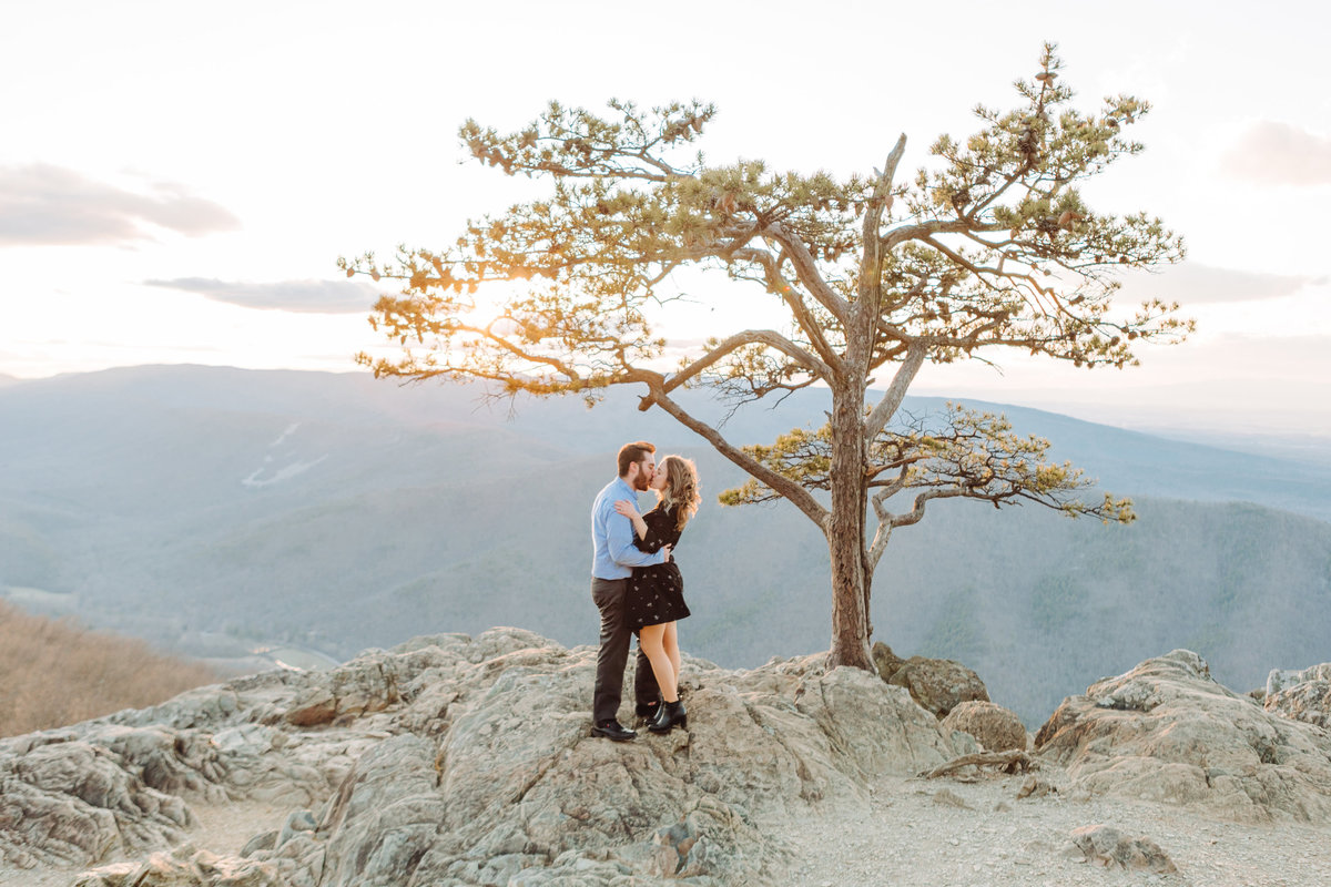 RavensRoostEngagementSession_ShenandoahMountains_AngelikaJohnsPhotography-0131 copy