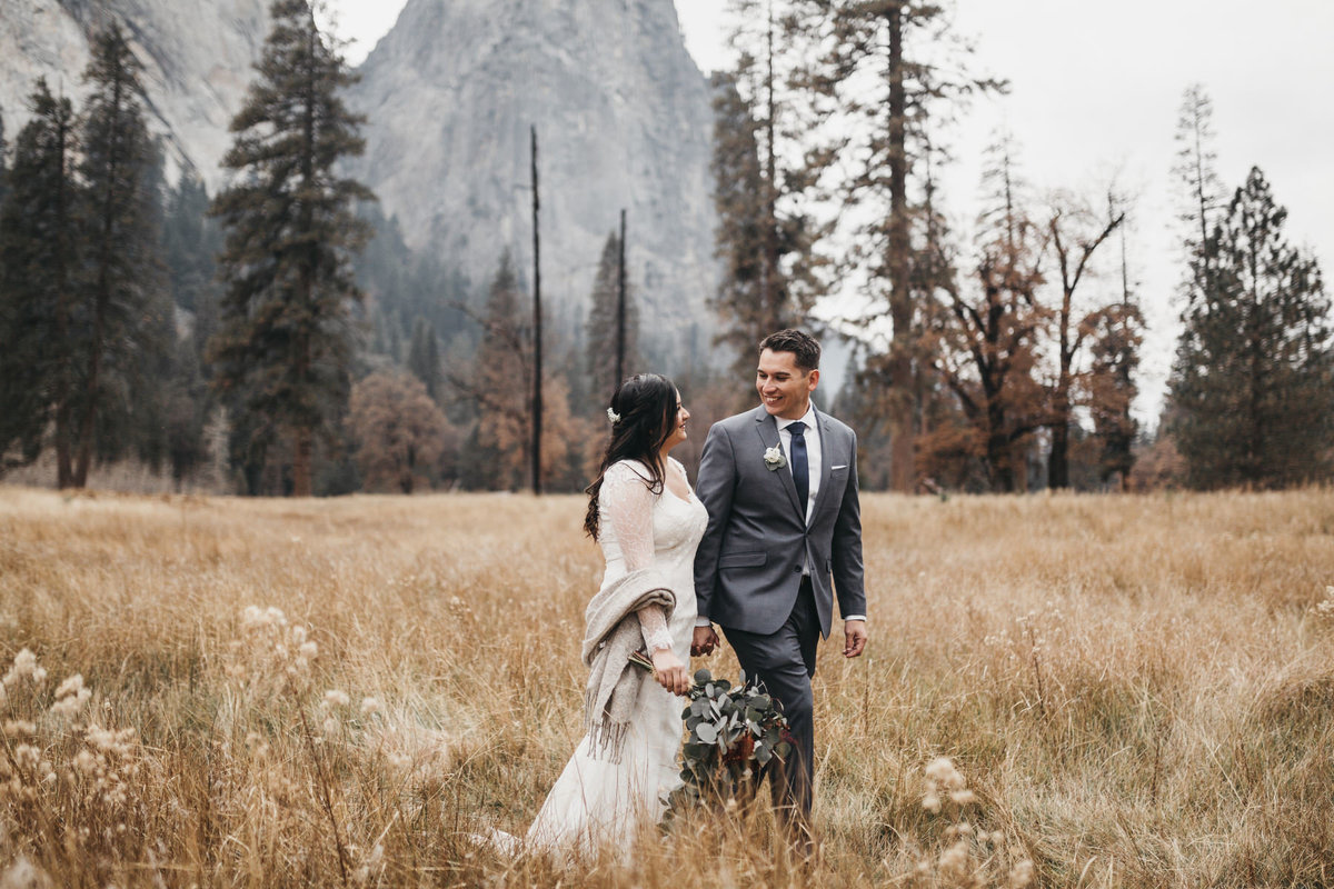 athena-and-camron-how-to-elope-in-yosemite-valley-el-capitan-meadow3