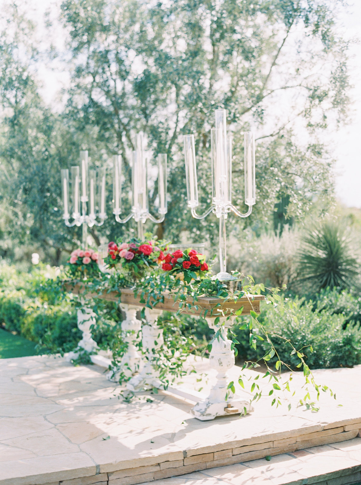 El chorro lodge El chorro wedding Lincoln road Paradise valley wedding Scottsdale wedding Mariee wedding gown Flower studio Glamour and wood Event rents Celebrations in paper Melissa jill photography Stephanie fay photography Flower studio florals A bake shop cake Arizona La tavola linens