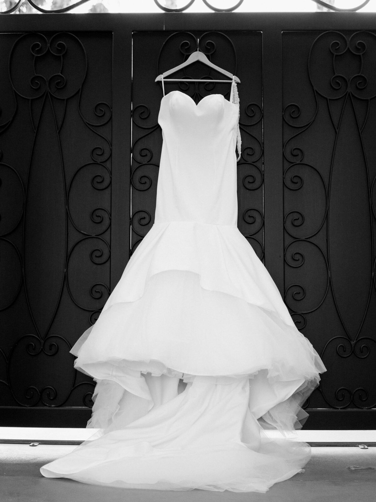 Th Artisan Hotel wedding-Bride's gown-Chloe Darling Photography