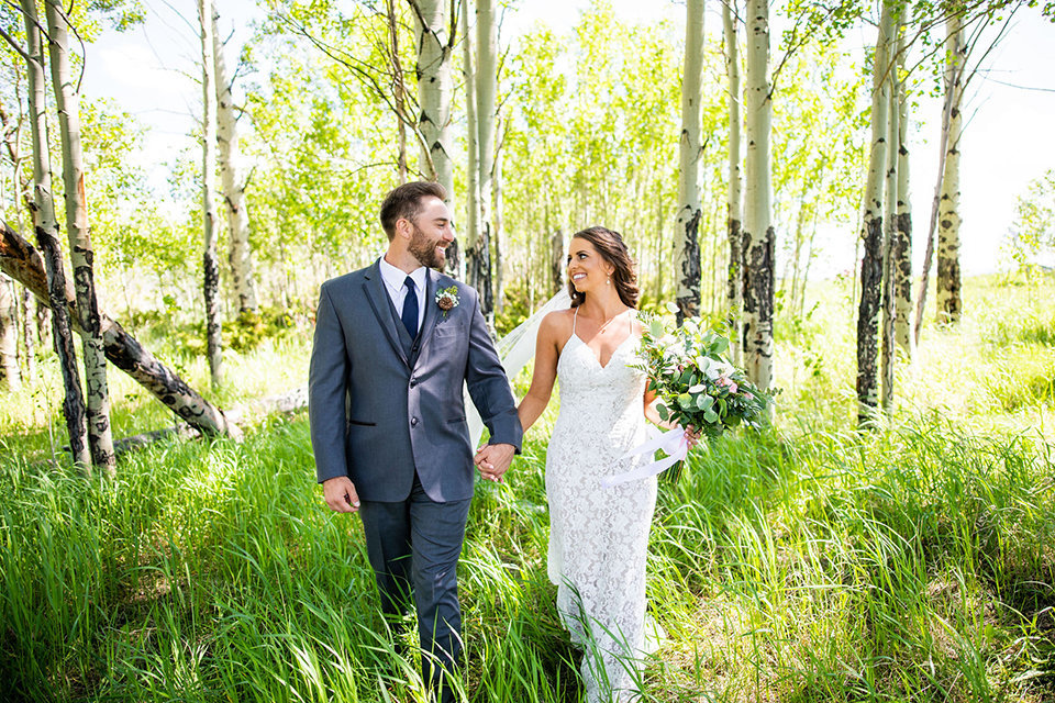 Strawberry-Creek-Ranch-Wedding-Ashley-McKenzie-Photography-Summer-love-on-the-ranch-Walking_Thru_Aspens