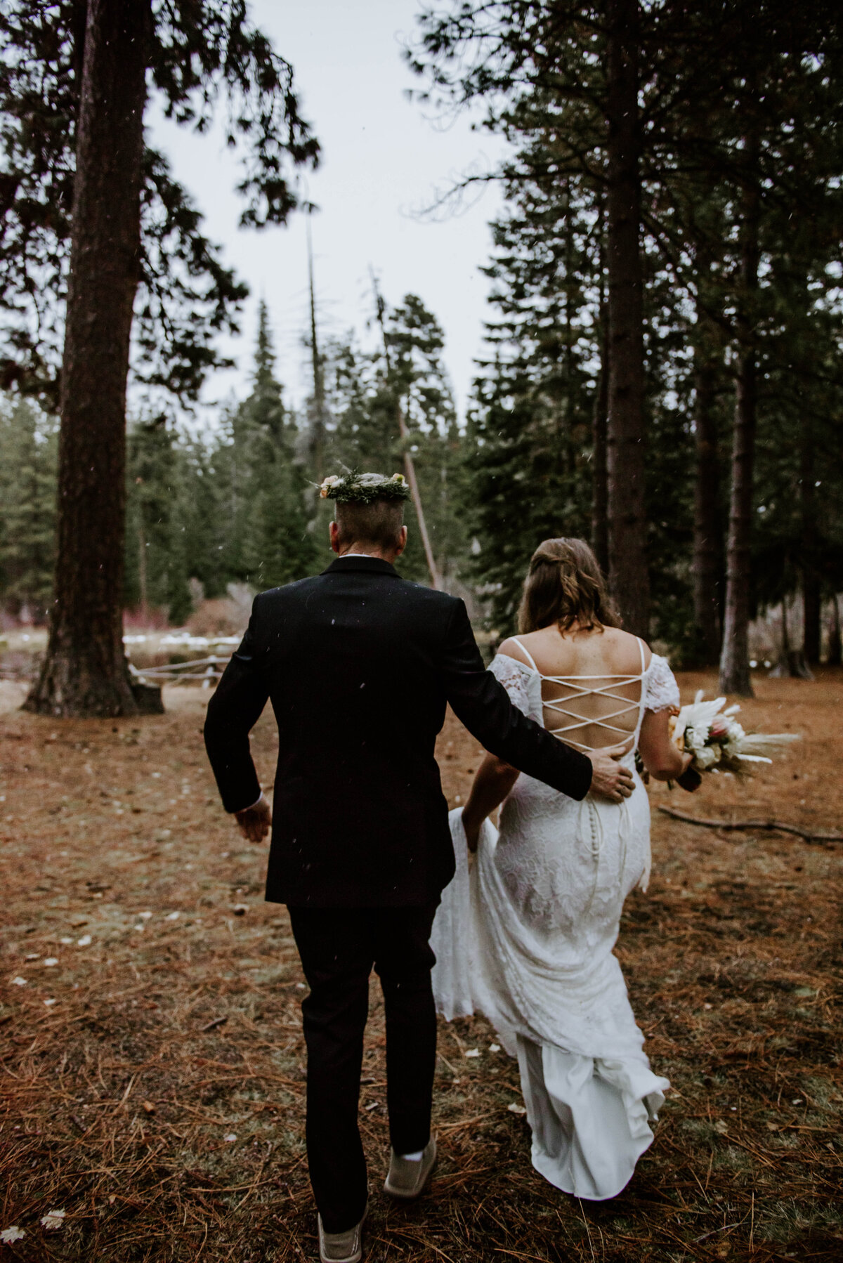 suttle-lake-sisters-oregon-lodge-woods-vow-renewal-photographer-wedding-elopement-3102