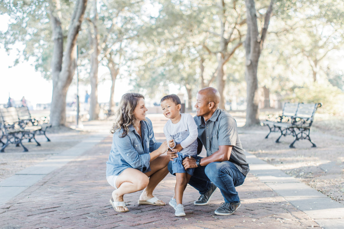 Downtown-Charleston-Family-Photos-Laura-Ryan-Photography-6