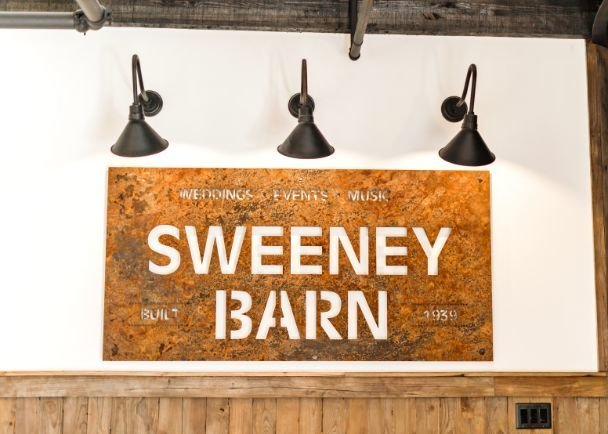 Reception-Classic-Catering-Wedding-Photo-Sweeney-Barn-May-2019_012