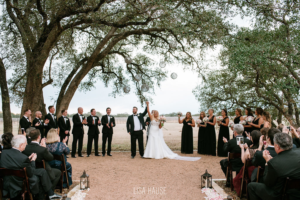 duchmanwinery_thelineymoon_lisahause_austinwedding_116