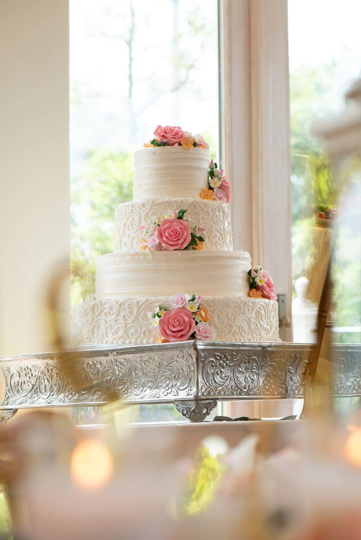 Fox Hollow wedding cake