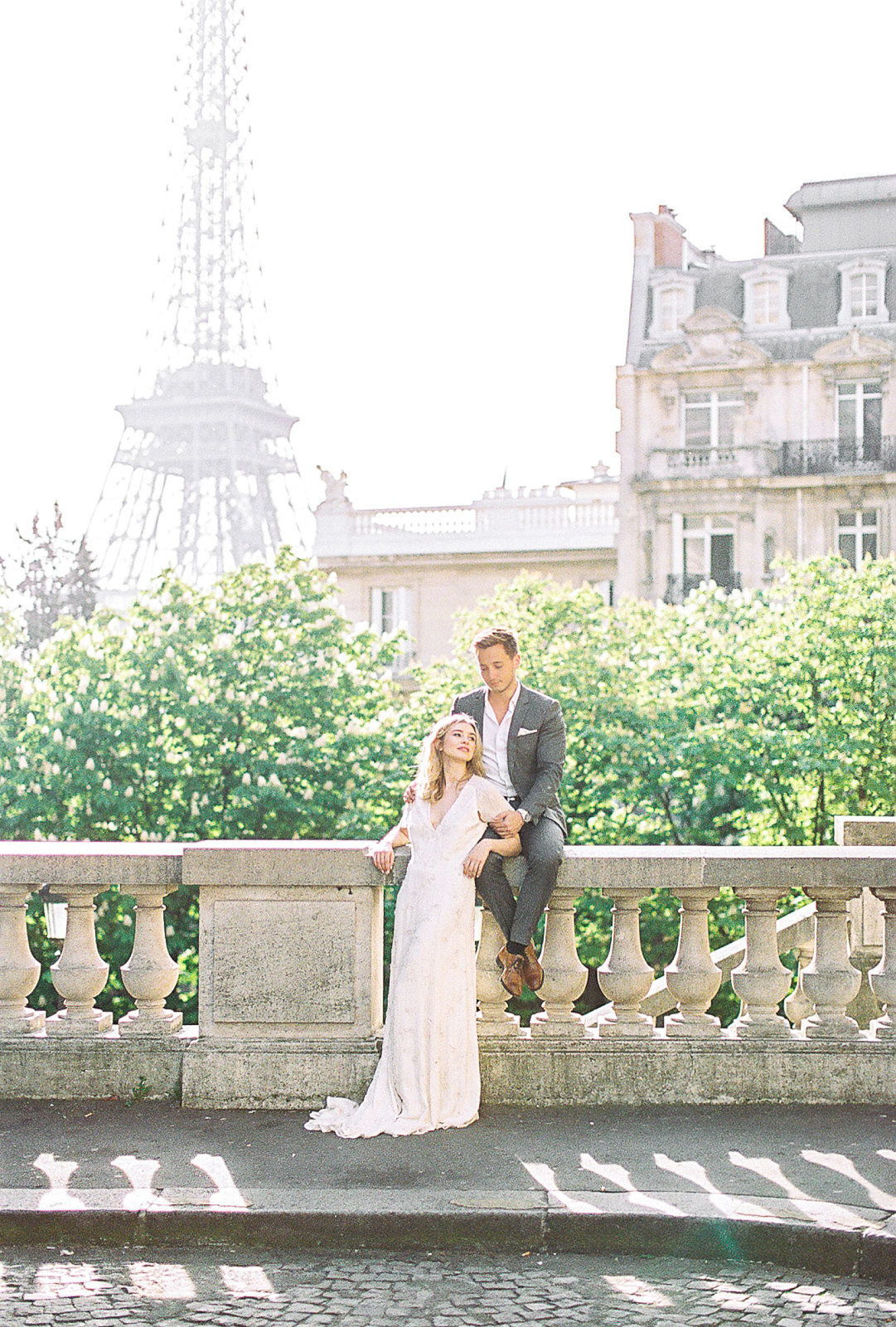 yana-schicht_hamburg_paris-fine-art-film-wedding-photographer_shangri-la_france_021