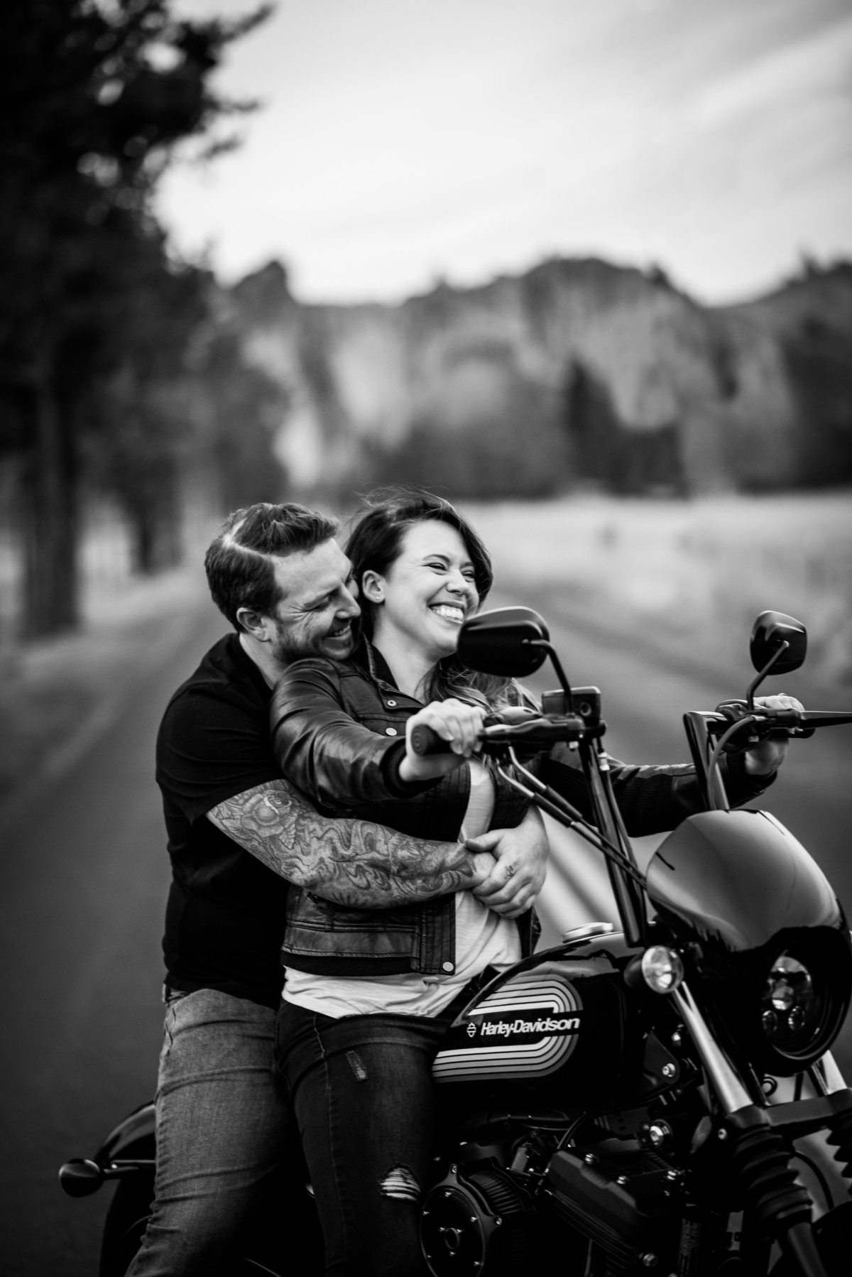 meredith_sands_photography_bend_destination_portrait_photographer_wedding_elopement_couple_photo_shoot_smith rock state park-2