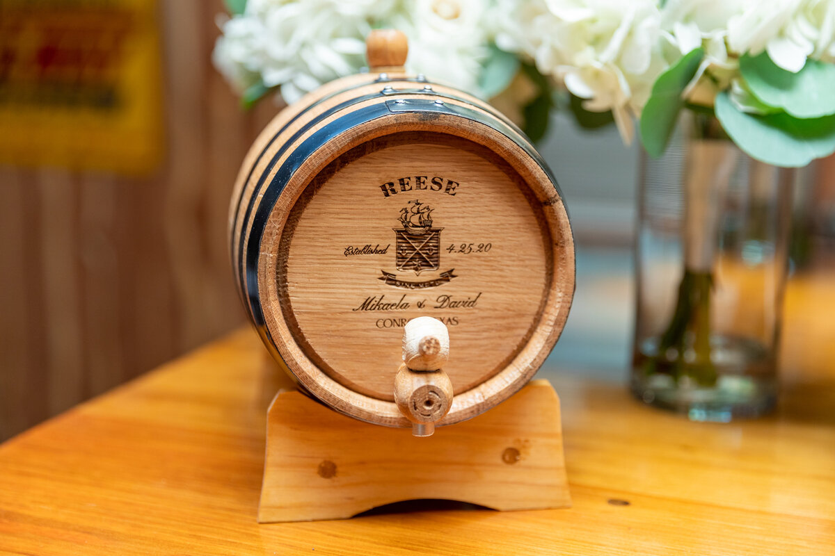 Customized Mini Whiskey Barrel for Wedding Day